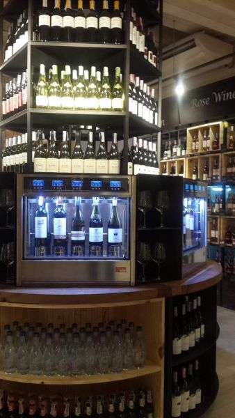 Wine dispenser by Wineemotion